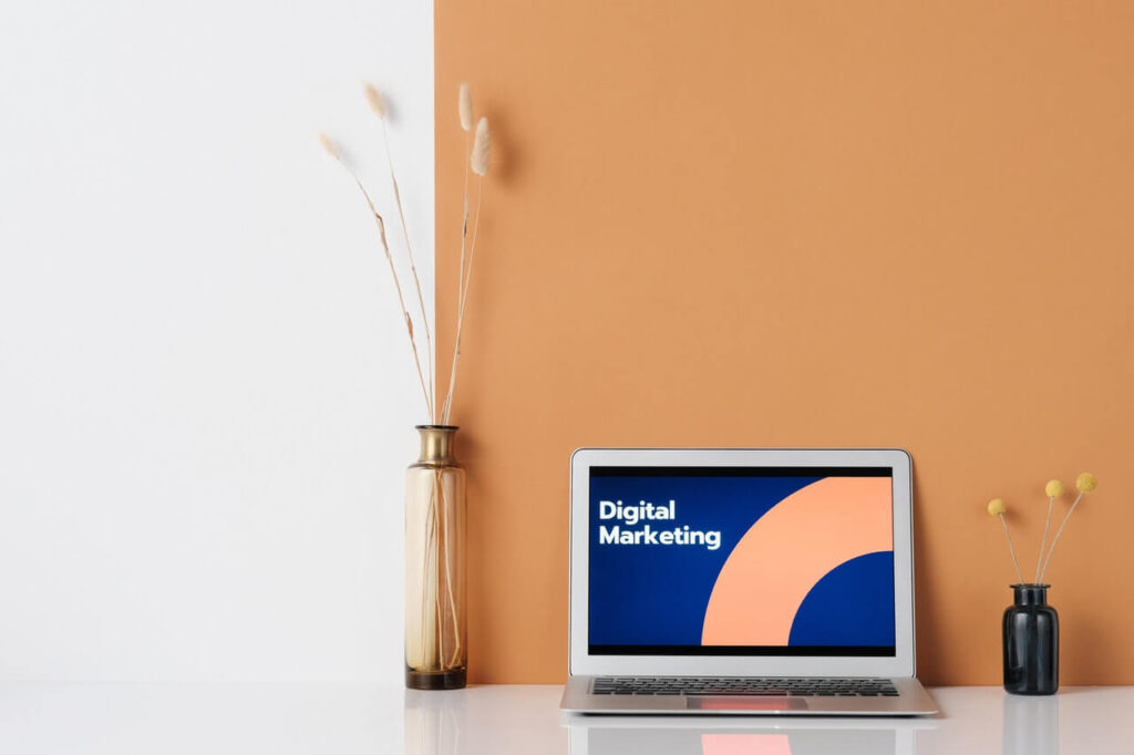 digital marketing laptop